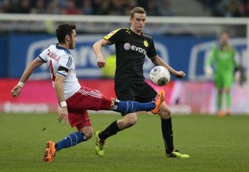 Pelatih Dortmund Tepis Kabar Transfer Sven Bender